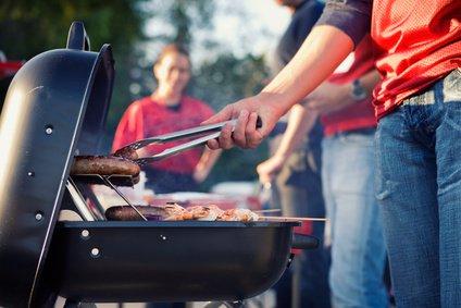 Weber Holzkohlegrill Unterschiede : Weber grill test die besten weber grills im vergleich